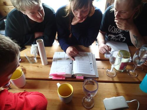 I'm grateful for Niina's patience in helping me learn the plants of Bothnian Bay (Photo: Metsähallitus / Essi Keskinen)
